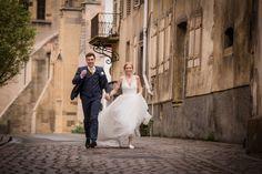 8 textes romantiques pour des lectures de mariage pleines de poésie Post Wedding, Wedding Ideas, Wedding Dresses, Pictures, Animation Photo, Wedding Planners, Route 66, Sky, Decoration