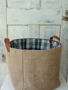 Baskets/Tote Made from rugged burlap coffee sack with leather straps. Burlap Coffee Bags, Hessian Bags, Burlap Sacks, Burlap Projects, Burlap Crafts, Alpillera Ideas, Leather Bean Bag Chair, Coffee Bean Sacks, Burlap Fabric