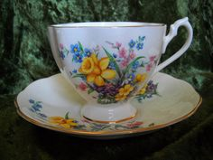 Queen Anne Daffodils Fine Bone China Cup