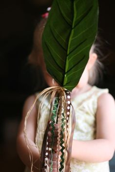 Hosanna Palm: Help your child celebrate on Palm Sunday.