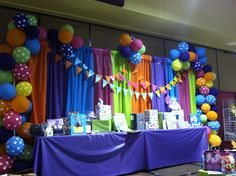 Using plastic tablecloths for decorations