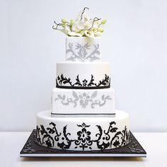 Beautiful Cake Pictures: White Cake with Black Icing Pattern Work - Black & White Cakes, Cakes with Icing, Wedding Cakes - Black White Cakes, Black And White Wedding Cake, White Wedding Cakes, Damask Wedding, Yellow Wedding, Pretty Cakes, Beautiful Cakes, Amazing Cakes, Naked Cakes