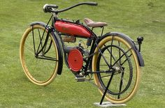 Evans - motorized bicycle 1919   ===>  https://de.pinterest.com/pin/335096028502182966/