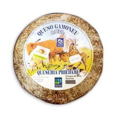 Queso asturiano de vaca, cabra y oveja con denominación de origen protegida D.O.P. Es uno de los quesos españoles más reconocidos. Fuerte, ahumado y picante.