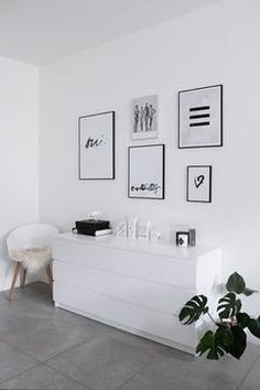 Spectacular Feminine Minimalist Decor Ideas 7 Exquisite ideas: Minimalist Home Inspiration White Desks minimalist bedroom decor men.Minimalist Home With Children Spaces minimalist bedroom decor men. Tumblr Room Decor, Diy Room Decor, Living Room Decor, Home Decor, Wall Decor, Diy Wall, Living Room Modern, Modern Bedroom, Living Rooms