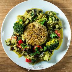 Warzywa w sosie sezamowym z kaszą jaglaną ⋆ AgaMaSmaka - żyj i jedz zdrowo! Broccoli, Recipies, Paleo, Food And Drink, Rice, Gluten Free, Vegan, Chicken, Vegetables