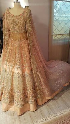 Haute spot for Indian Outfits. Asian Bridal Dresses, Pakistani Wedding Outfits, Wedding Dresses For Girls, Party Wear Dresses, Bridal Outfits, Pakistani Dresses, Pakistani Bridal Couture, Indian Bridal, Bridal Anarkali Suits