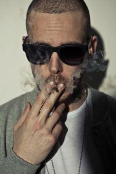 Gemitaiz. Italian rapper.