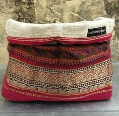 Cloth Basket- Re-cycled sari braid, hand spun, hand weave khadi cotton and a women on a machine. Environmentally and ethically satisfying! Kantha Quilt, Quilts, People Working Together, Lace Bag, Clothes Basket, New Year Celebration, Quilt Stitching, Hand Spinning, Saris