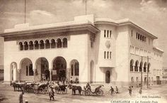 The post office coming from the old days in Casablanca Old Post Office, The Old Days, Old Pictures, Once Upon A Time, Notre Dame, Moroccan, Old Things, Street View, Architecture