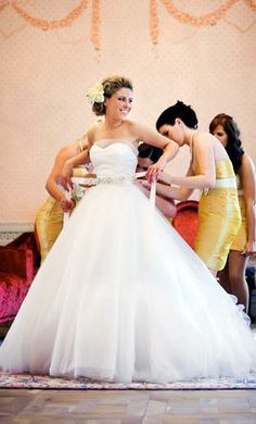 Used Badgley Mischka Wedding Dress Mallory, Size 4  | Get a designer gown for (much!) less on PreOwnedWeddingDresses.com