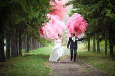 Свадьбы в розовом цвете | Свадьбы весной | 69 Фото идеи Pre Wedding Videos, Wedding Shoot, Wedding Couples, Wedding Pictures, Wedding Engagement, Forest Wedding, Dream Wedding, Romantic Couple Images, Wedding Fireworks