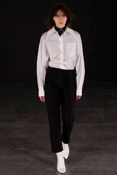 Thomas Tait Fall 2015 Ready-to-Wear Fashion Show