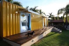 Minha Casa Container A casa container da Valene e do Fernando - Minha Casa Container Container Bar, Shipping Container Homes, Modular Homes, Shed, Deck, Outdoor Structures, Outdoor Decor, Modern, House
