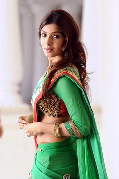 Samantha Navel Side View Pics In Green Saree Hot Photos