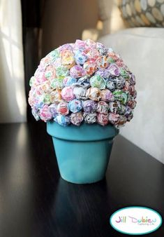 Image detail for -crafty, candy topiary tutorial: How to make a Lollipop Tree Lollipop Centerpiece, Lollipop Tree, Party Centerpieces, Lollipop Bouquet, Quinceanera Centerpieces, Lollipop Candy, Candy Topiary, Holidays Events, Deko