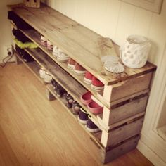 Meuble Chaussure Palette : DIY shoe shelves thinking it could be a bench too. DIY shoe shelves thinking it could be a Shoe Shelf Diy, Diy Shoe Rack, Shoe Shelves, Pallet Shelves, Shelving, Shoe Racks, Diy Shoe Storage, Dvd Storage, Wood Shelf