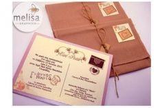 ΧΕΙΡΟΠΟΙΗΤΟ ΠΡΟΣΚΛΗΤΗΡΙΟ ΓΑΜΟΥ ΜΕ ΥΦΑΣΜΑΤΙΝΟ ΦΑΚΕΛΟ (MG1805) Wedding Invitations, Gift Wrapping, Graphics, Party, Gift Wrapping Paper, Graphic Design, Wedding Invitation Cards, Wrapping Gifts, Gift Packaging