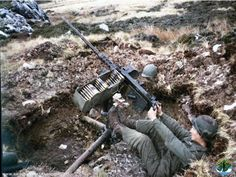 Argentine 50 Calibre Machine Gun Used as Anti Aircraft Falklands War, Armed Conflict, Military Pictures, Military History, Rolls Royce, Warfare, American History, Battle, Guns