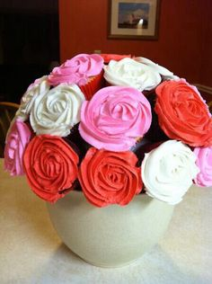 Bouquet of cupcakes for Valentines Day