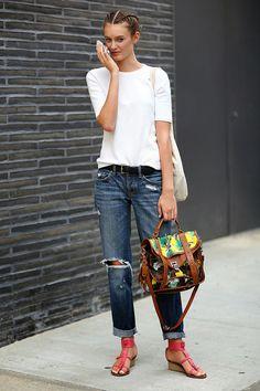 Camiseta branca = curinga no guarda roupas