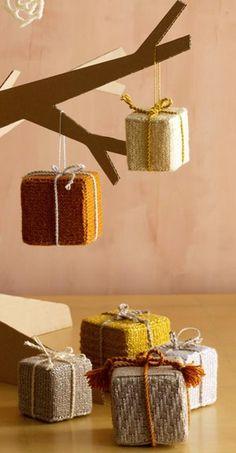 box ornaments- free knitting pattern