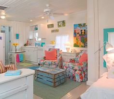 Small space/ huge color= fantastic!
