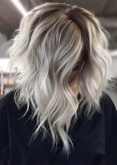 Really Obsessed Silver Blonde Hair Color Ideas for 2019 Wirklich besessen Silberblond Haarfarbe Idee Hair Color 2018, Ombre Hair Color, Hair Color Balayage, Blonde Color, Cool Hair Color, Hair Highlights, Color Highlights, Blonde Brunette, Short Balayage