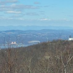 Great view of the #devilspath  http://ift.tt/1QC9sVq  #hike #hiking #lambshill #southmountbeacon #southmtbeacon #southmountbeaconfiretower #scofieldridge #hudsonriver #catskills #catskillmountains #hudsonvalley #hudsonhighlands #newyork #hikewithmike #hikewithmikeny #outdoorguide #outside #outdoors #nature #guide #guideservice #guidedtours #guidedhike #mountains #nyhiking #springiscoming #spring #springtime #climbing by hike_with_mike