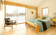 #Warm #Wood & #White. Contemporary bedroom by GO LOGIC