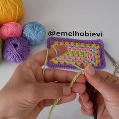 Crochet Necklace, Coin Purse, Arts And Crafts, Instagram, Crochet Hats, Photo And Video, Wallet, Purses, Jewelry