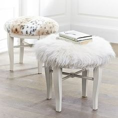 Glam Vanity Stool White 2x Near Fireplace Ikea Diy