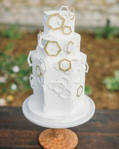 This toasted almond cake from The Whole Cake was adorned with gold and white fondant hexagons for a modern edge.