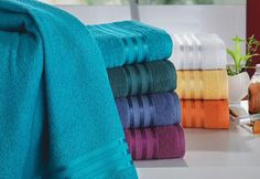Cómo elegir toallas de baño de calidad: Lo primero que tenemos que hacer para saber cómo elegir toallas de baño de calidad es saber qué uso le daremos a estas. http://www.casablanqueria.com/bano/como-elegir-toallas-de-bano-de-calidad/