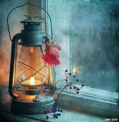 I love lanterns Old Lanterns, Mason Jar Lamp, Oil Lamps, Indian Art, Belle Photo, Painting Inspiration, Still Life, Watercolor Paintings, Canvas Art