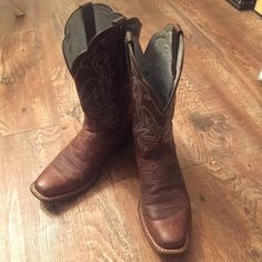 Ariat Boots Brown cowgirl western boots with blue and white stitching. Excellent condition. Size 7. Ariat Shoes Heeled Boots