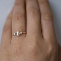 first backup to Odette the Swan Supreme (or is it better?!) in rose gold. #ringly #gorgeousweddingringsjewelry