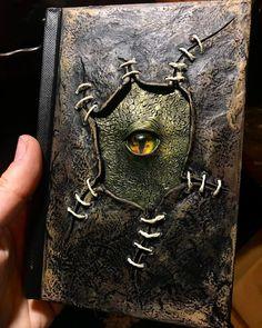 Dragon Eye Sketchbook Art Book by SkinwalkerLabs Handmade Journals, Handmade Books, Halloween Books, Halloween Crafts, Altered Books, Altered Art, Décoration Harry Potter, Dragon Eye, Dragon Book
