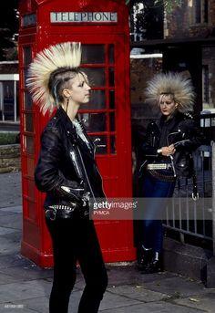 : THIS is punk. Everything that is not this, is a variation of modern grunge. Chicas Punk Rock, Estilo Punk Rock, Punk Girls, Punk Women, Diesel Punk, Diesel Style, Psychobilly, Mode Bizarre, Mode Punk