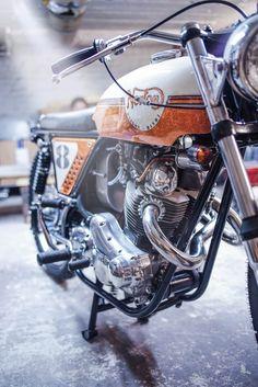 Norton Scrambler - Fuel-online - Auf der 8 - Van Hai Nguyen #motorcycles #scrambler #motos | caferacerpasion.com