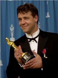 The Academy Awards Ceremony Russell Crowe Best Actor Oscar for ''Gladiator'' 2000 AMD Oscar Academy Awards, Academy Award Winners, Oscar Winners, Les Oscars, Best Actor Oscar, Epic Film, Russell Crowe, Iconic Movies, Movies