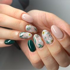 May 2020 - For every girl, flowers are irresistible,floral nails are also something that many girls like, especially now it is spring, which is really suitable.Try our springnail designs. Cute Spring Nails, Spring Nail Art, Acrylic Nail Designs, Nail Art Designs, Nails Design, Nail Designs Floral, Fingernail Designs, Nail Art Fleur, Christmas Gel Nails