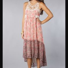 15% off bundles Free People Native Rose Dress Size 4, but fits me and I'm a size 6. EUC beautiful Free People piece. High-low style with a lacy bodice. Free People Dresses