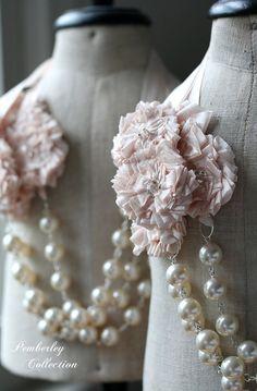 Perle et ruban, collier de demoiselle d'honneur, rosace de ruban, collier de rougir