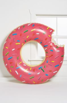 How fun is this gigantic donut pool float?