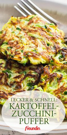 A light dish for lunch and dinner. Potato and zucchini buffets taste good for the whole family A light dish for lunch and dinner. Potato and zucchini buffets taste good for the whole family Healthy Dinner Recipes, Vegetarian Recipes, Drink Recipes, Healthy Lunches, Meal Recipes, Dessert Recipes, Law Carb, Zucchini Pancakes, Zucchini Fritters