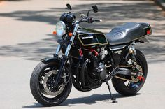 Kawasaki Cafe Racer, Kawasaki Motorcycles, Racing Motorcycles, Custom Motorcycles, Custom Bikes, Push Bikes, Classic Bikes, Car Engine, Super Bikes