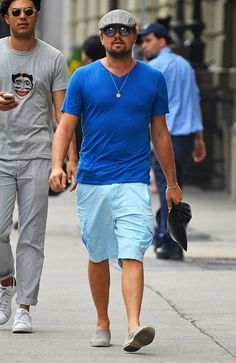 Leonardo DiCaprio Photos Photos: Leonardo DiCaprio Goes Out With Friends in  NYC