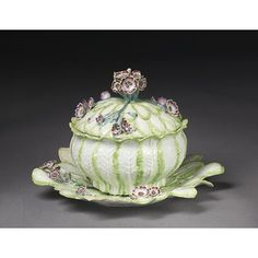Tureen, cover and stand Place of origin:London, England (made)Date:ca. 1755 (made)Artist/Maker:Chelsea Porcelain factory (manufacturer)Materials and Techniques:Soft-paste porcelain, painted in enamels
