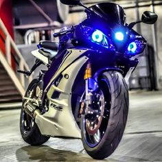 motorcycles page/my instagram @chairellbikes4life : Photo